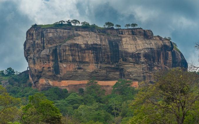 12 reasons to travel Sri Lanka